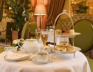 Afternoon-Tea-at-The-Dorchester